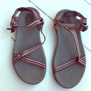 TEVA anatomic sandals womens 6.5 like new